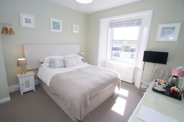 Cliff House Bed and Breakfast - Image 2 - UK Tourism Online