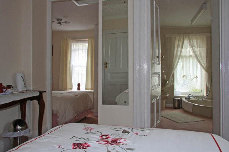 Drakewalls House - Image 3 - UK Tourism Online