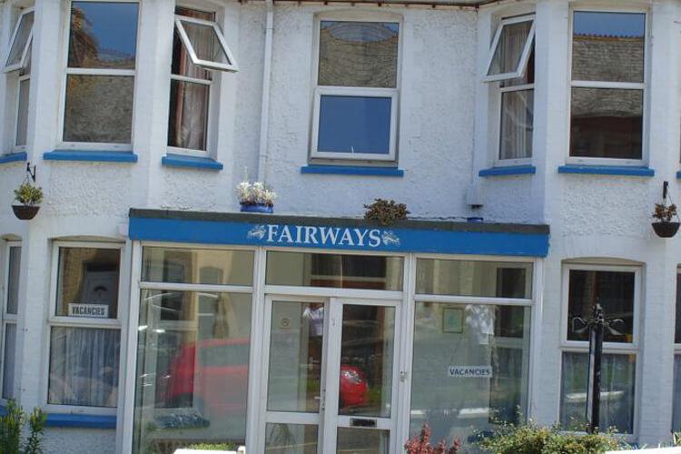 Fairways Guest House - Image 1 - UK Tourism Online