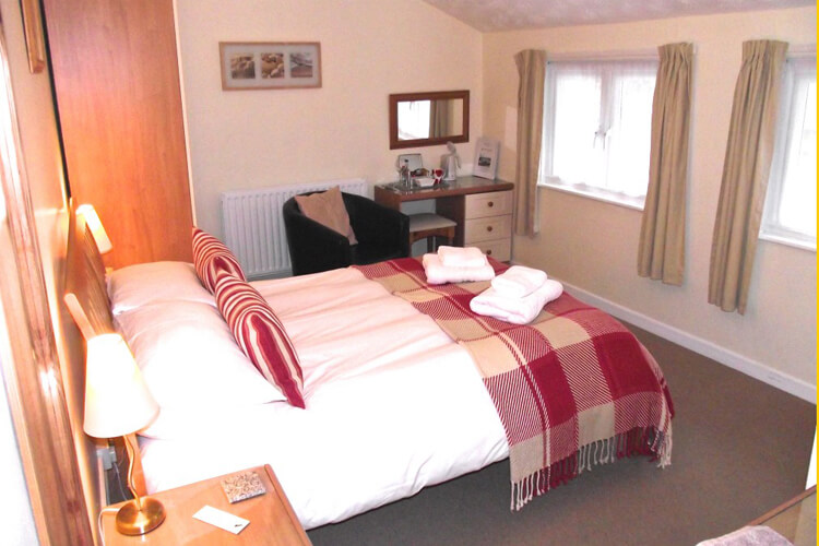 Lower Meadows House - Image 4 - UK Tourism Online