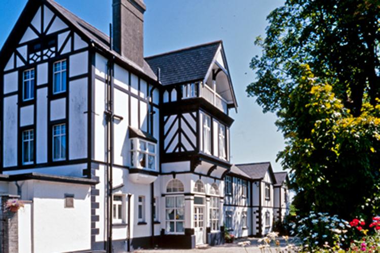 Rosemullion House - Image 1 - UK Tourism Online