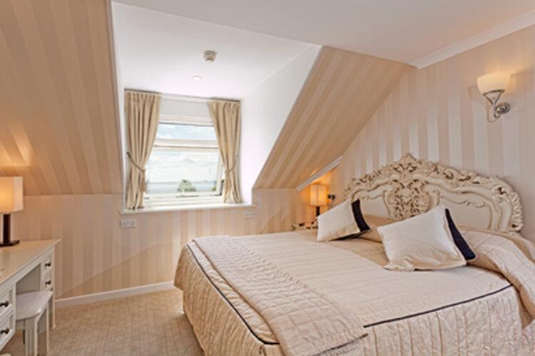 Rosemullion House - Image 2 - UK Tourism Online