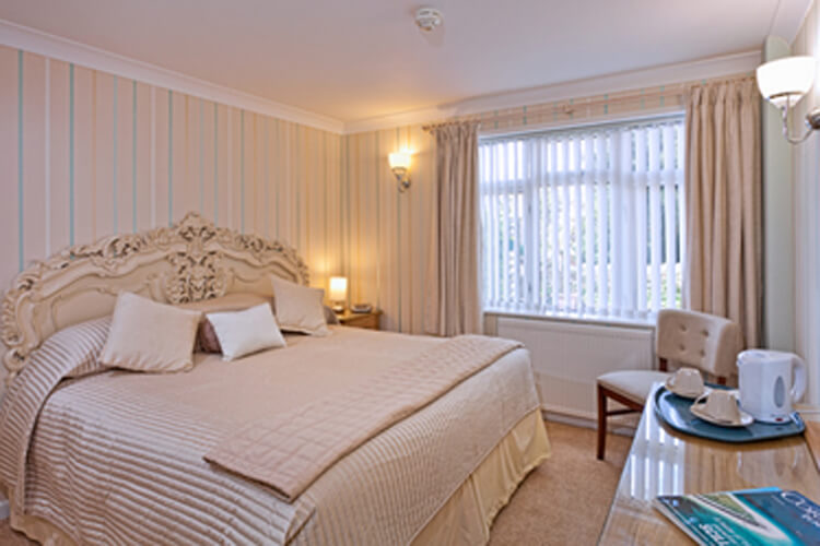 Rosemullion House - Image 3 - UK Tourism Online