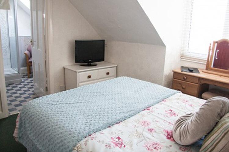Summer Breeze Guest House - Image 2 - UK Tourism Online