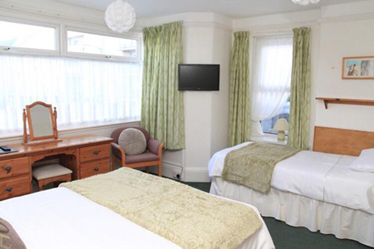 Summer Breeze Guest House - Image 3 - UK Tourism Online