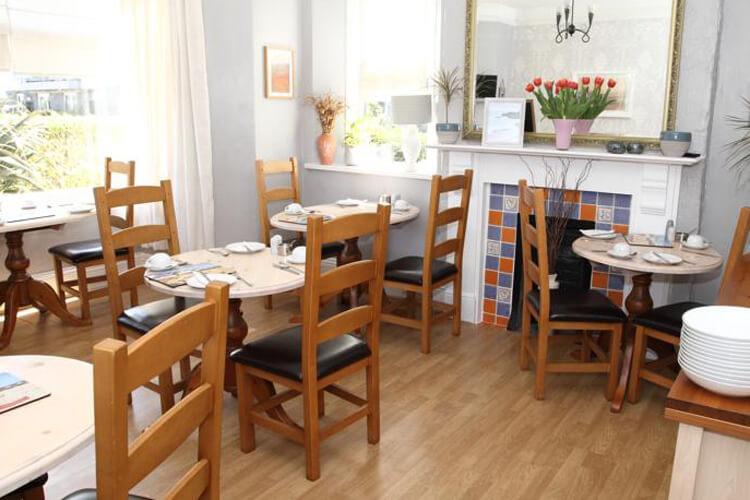 Summer Breeze Guest House - Image 4 - UK Tourism Online
