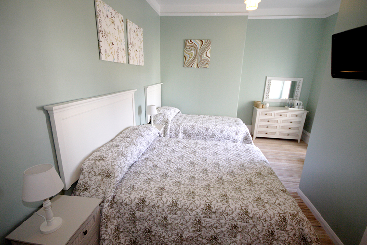 The Edgcumbe Bed & Breakfast Bar & Grill - Image 4 - UK Tourism Online