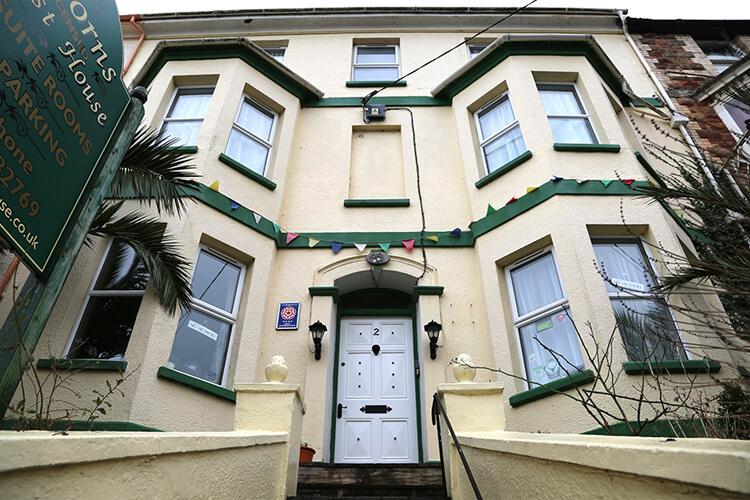 Acorns Guest House - Image 1 - UK Tourism Online