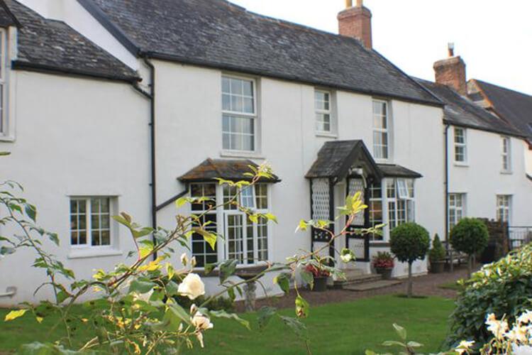 Alscott Barton Farmhouse - Image 1 - UK Tourism Online