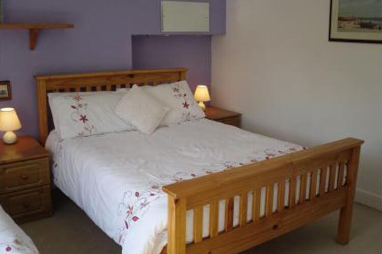 Barbican Reach Guest House - Image 2 - UK Tourism Online