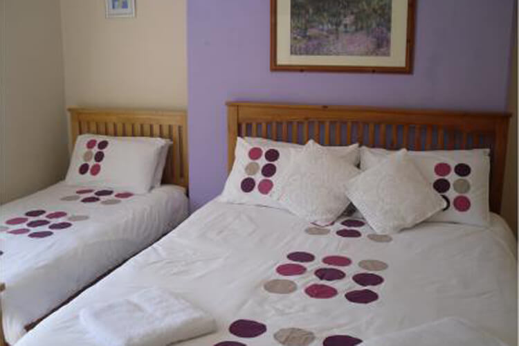 Barbican Reach Guest House - Image 3 - UK Tourism Online