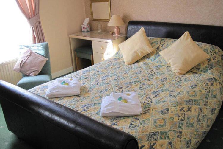 Birchwood House - Image 2 - UK Tourism Online