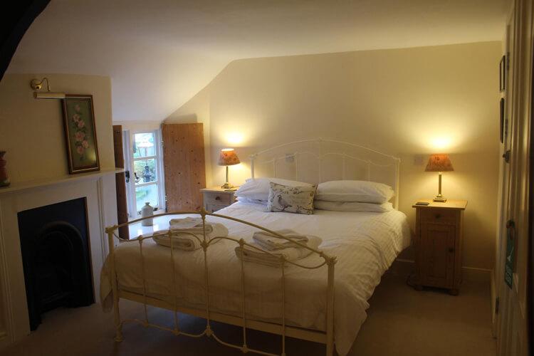 Blue Ball Inn - Image 1 - UK Tourism Online