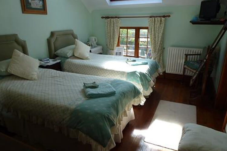 Burton Farmhouse Bed and Breakfast - Image 4 - UK Tourism Online