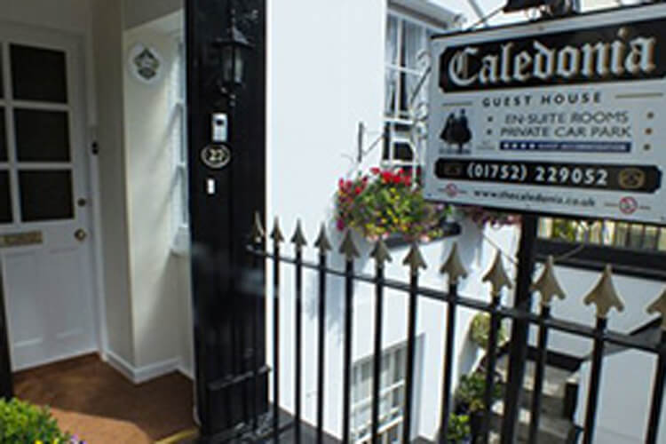 Caledonia Guest House - Image 1 - UK Tourism Online
