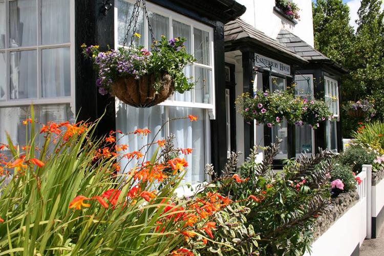 Canterbury House - Image 1 - UK Tourism Online