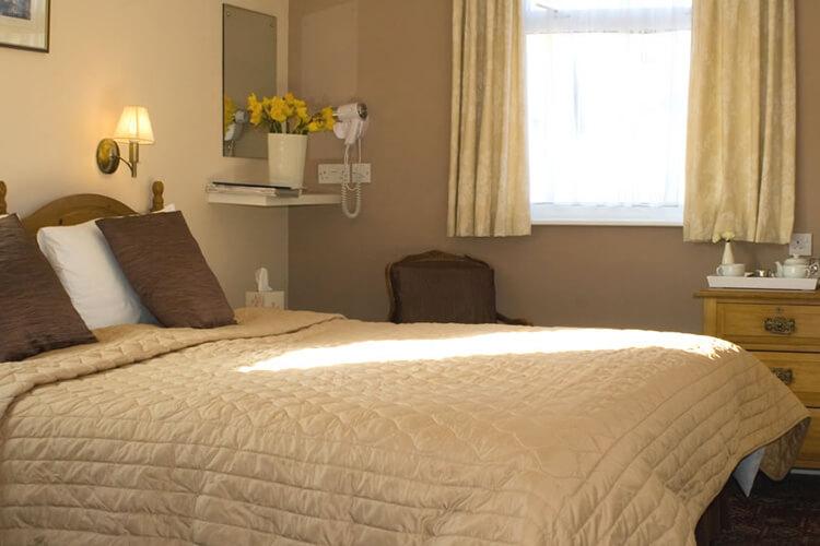Canterbury House - Image 2 - UK Tourism Online