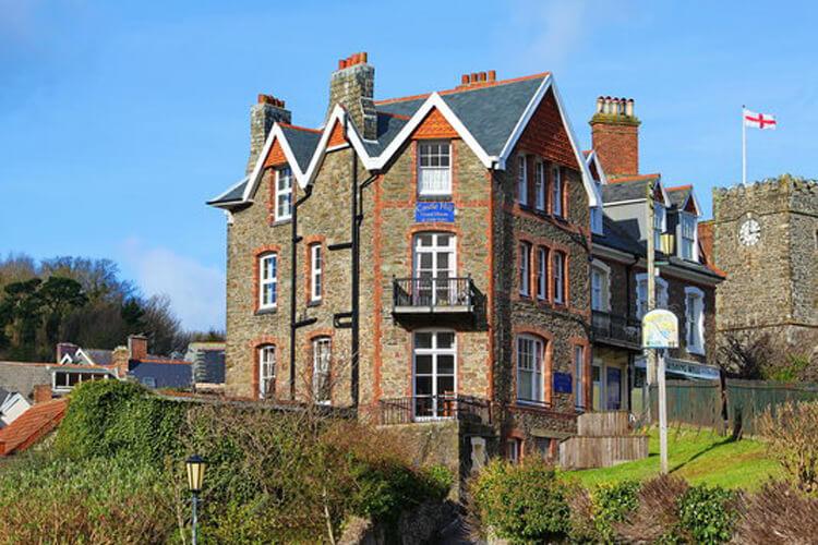 Castle Hill Guest House - Image 1 - UK Tourism Online