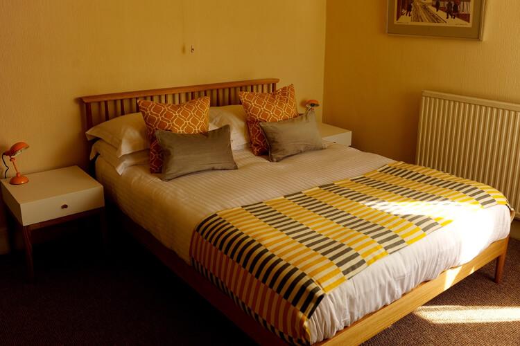 Channel Vista Guest House - Image 3 - UK Tourism Online