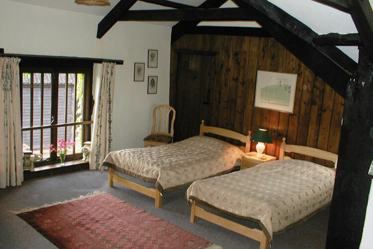 Combe Lancey Farmhouse Bed and Breakfast - Image 2 - UK Tourism Online