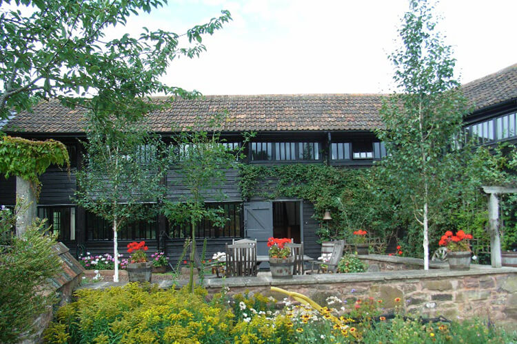 Combe Lancey Farmhouse Bed and Breakfast - Image 3 - UK Tourism Online