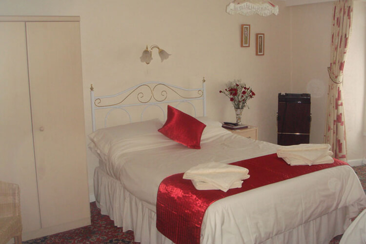 Corner House Bed and Breakfast - Image 2 - UK Tourism Online