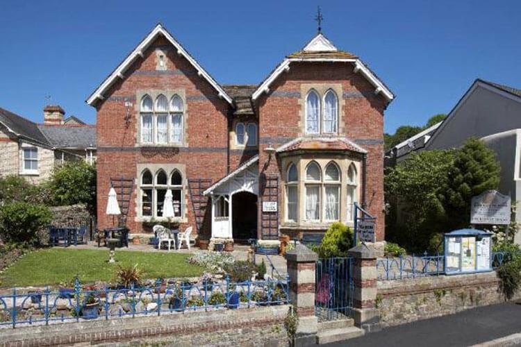 Courtenay House - Image 1 - UK Tourism Online