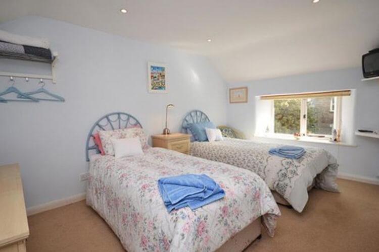 Cutlands Barn - Image 3 - UK Tourism Online