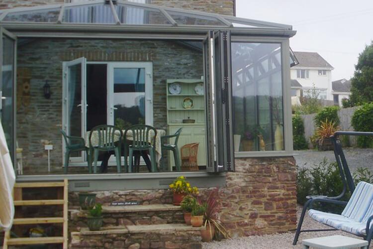 Cutlands Barn - Image 5 - UK Tourism Online