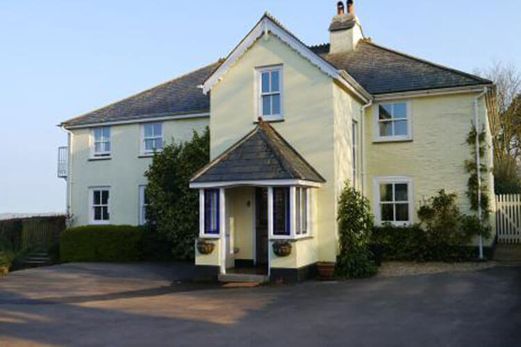 Downton Lodge Country Guest House - Image 1 - UK Tourism Online