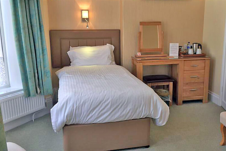Edgcumbe Guest House - Image 4 - UK Tourism Online