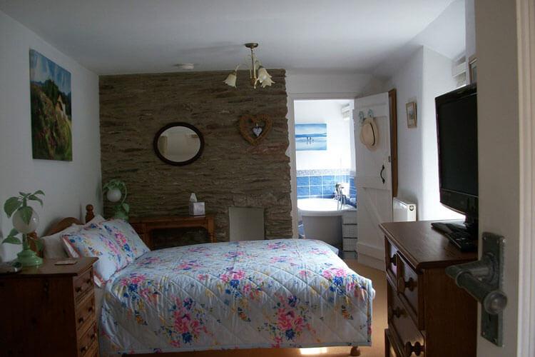 Frogwell Accommodation - Image 2 - UK Tourism Online