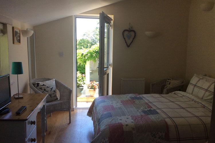 Frogwell Accommodation - Image 3 - UK Tourism Online