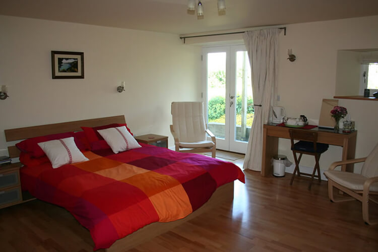 Furzedon Bed and Breakfast - Image 2 - UK Tourism Online