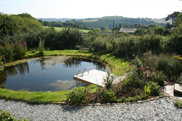 Furzedon Bed and Breakfast - Image 5 - UK Tourism Online