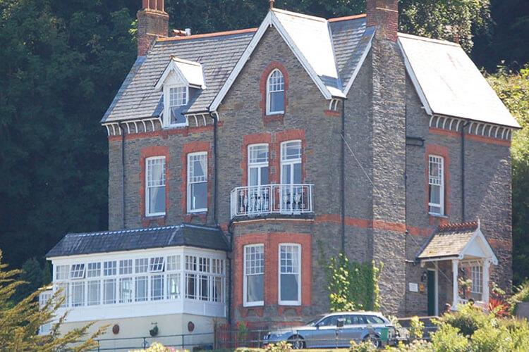 Highcliffe House - Image 1 - UK Tourism Online