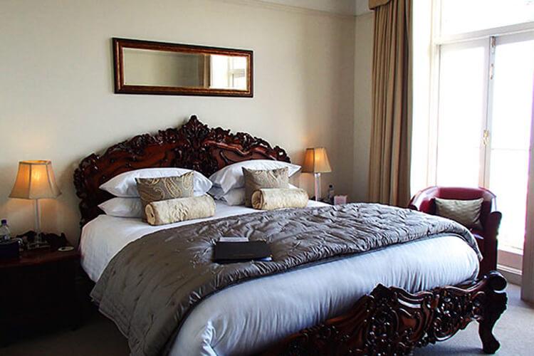Highcliffe House - Image 3 - UK Tourism Online