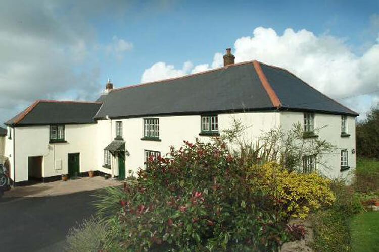 Higher Darracott Farm - Image 1 - UK Tourism Online
