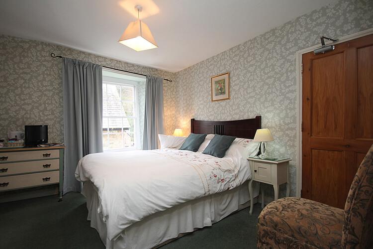 Hillside House - Image 2 - UK Tourism Online