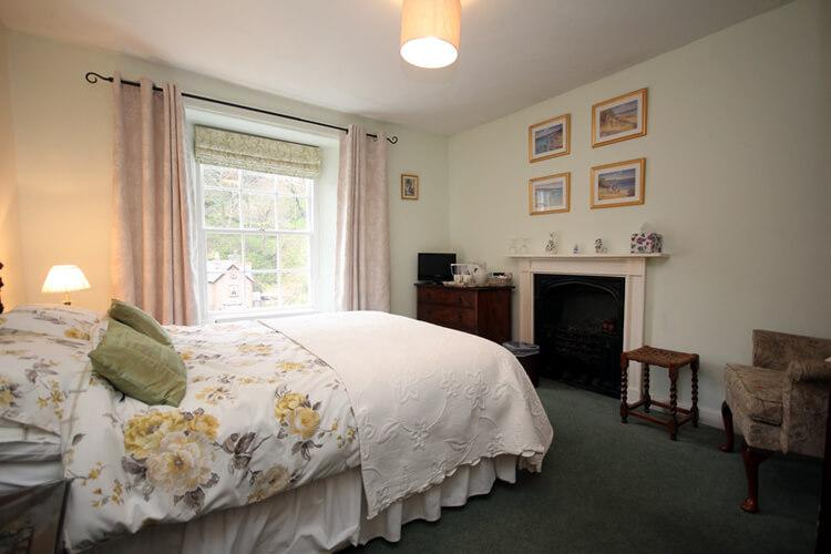 Hillside House - Image 4 - UK Tourism Online