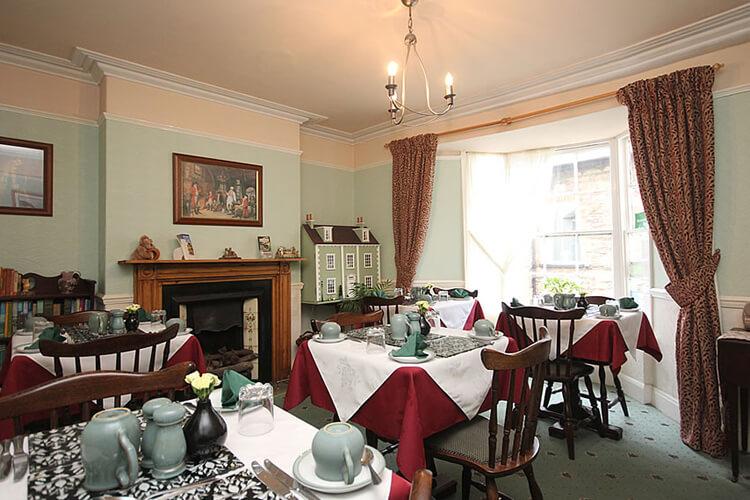 Hillside House - Image 5 - UK Tourism Online