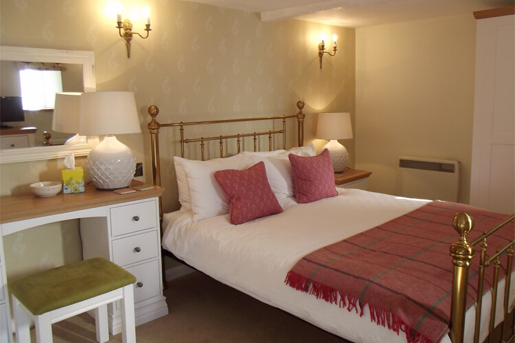 Kilbury Manor - Image 2 - UK Tourism Online