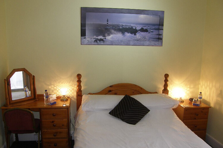 Kingswinford Guest House - Image 2 - UK Tourism Online