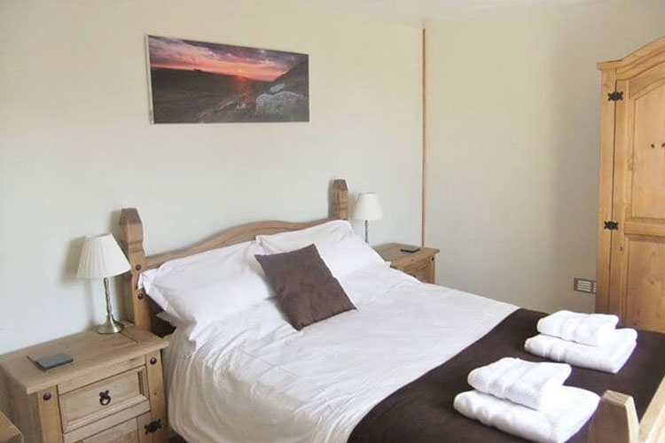 Lowertown Farm Bed and Breakfast - Image 2 - UK Tourism Online