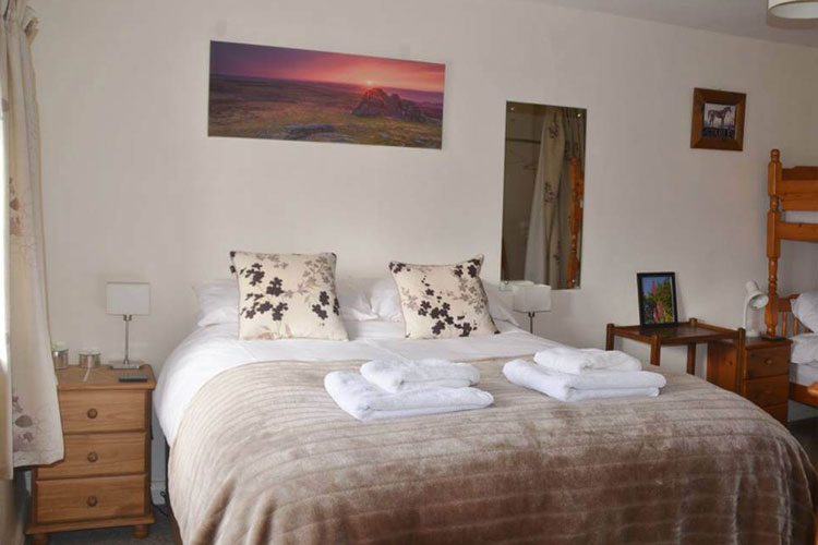 Lowertown Farm Bed and Breakfast - Image 4 - UK Tourism Online