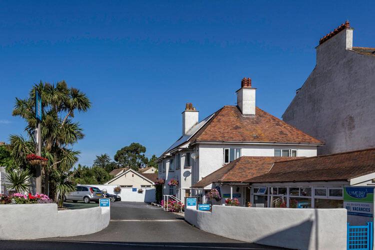 Lyme Bay House - Image 1 - UK Tourism Online