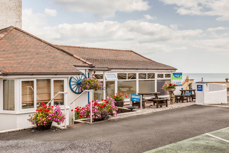 Lyme Bay House - Image 2 - UK Tourism Online