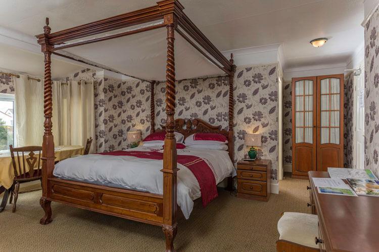 Lyme Bay House - Image 3 - UK Tourism Online