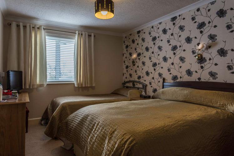 Lyme Bay House - Image 4 - UK Tourism Online
