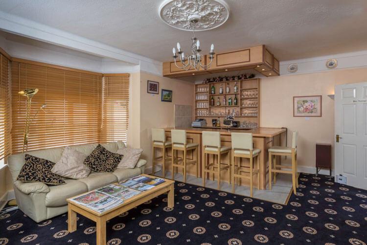 Lyme Bay House - Image 5 - UK Tourism Online
